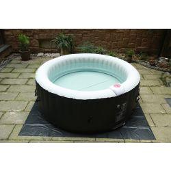 BeneoSpa Tragbarer aufblasbarer Whirlpool, Jacuzzi, für 4 Personen, 130 Massagedüsen, Schwarz-Weiss